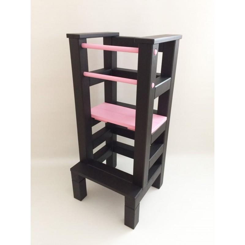 Učící věž - růžovočerná barva