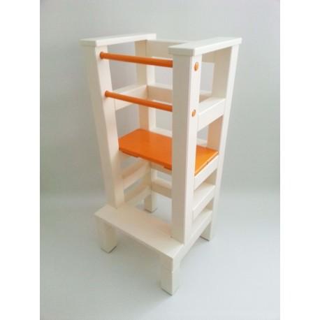 Učiaci veža - oranžovobéžová farba