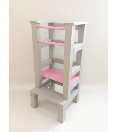 Učící věž - růžovošedivá barva