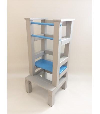 Učící věž - modrošedivá barva