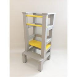 Učící věž - žlutošedivá barva